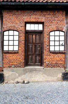 Free Ancient Wooden Door Stock Images - 19981644