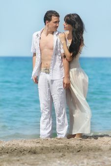 Free Young Couple On Sea Background Royalty Free Stock Photography - 19981737
