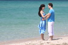 Free Young Couple On Sea Background Stock Photo - 19981800