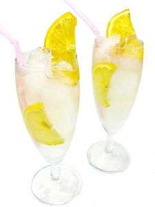 Free Alcoholic Cocktail Drinks With Lemon Stock Photography - 19985982