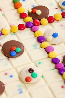 Free Chocolate With Smarties Royalty Free Stock Images - 19989719