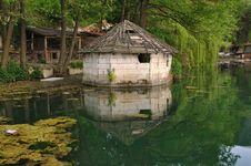 Free House Near Lake Royalty Free Stock Photo - 19995175