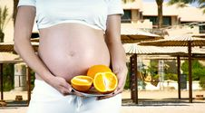 Free Pregnant Women Royalty Free Stock Images - 19996349