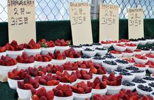 Free Berries For Sale Royalty Free Stock Photo - 19999215