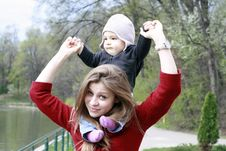 Free Mother And Baby In Park Stock Images - 19999824