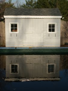 Free Shed Reflection Royalty Free Stock Photography - 203207