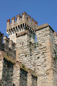Free Battlements Of A Castle Stock Photo - 204630