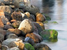 Free Rocks And Water (color) Stock Photos - 205943