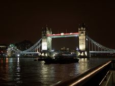 Free Tower Bridge Royalty Free Stock Photos - 206698