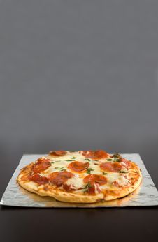 Free Pepperoni Pizza Royalty Free Stock Photo - 2001195