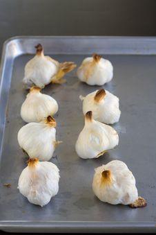 Free Garlic Bulbs Roasted Stock Photography - 2001242