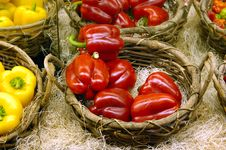 Free Colorful Peppers Royalty Free Stock Images - 2001259
