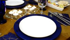 Free Lights Between Plates Royalty Free Stock Images - 2002899