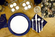 Free Plate On Table Royalty Free Stock Images - 2002929