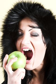 Free Woman With Green Apple Stock Images - 2003354
