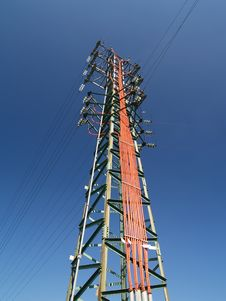 Free Solitary Electricity Pylon Royalty Free Stock Photos - 2005558