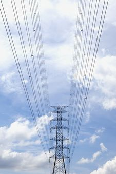 Free High Voltage Power Pole. Royalty Free Stock Photos - 20002328