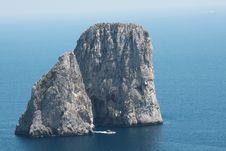 Faraglioni A Capri Stock Images