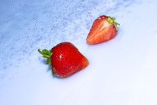 Free Strawberry In Water Splash Stock Images - 20004414