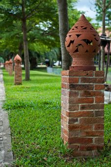 Free Thai Ceramic Lamp Stock Photography - 20009162