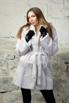 Free Stunning Sexy Young Woman In Fur Coat Royalty Free Stock Image - 20010786