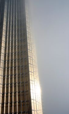 Free Gold Skyscraper In The Fog Stock Images - 20011804