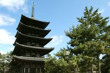 Free Japanese Ancient Temple Royalty Free Stock Image - 20014186