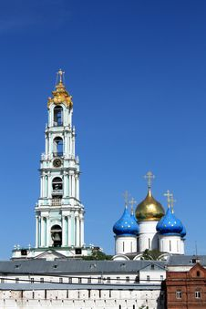 Free Domes Of The Holy Trinity Sergius Lavra Royalty Free Stock Photography - 20014767