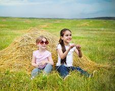 Free Happy Little Sisters Stock Images - 20015414