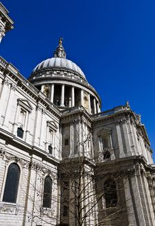 Free Dome Of St Paul S Cathedral In London , UK Stock Images - 20020504