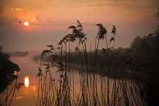 Free Sunrise Over River Royalty Free Stock Photos - 20021968