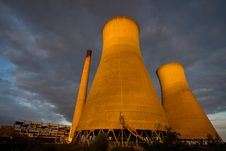 Free Cooling Towers Royalty Free Stock Image - 20022246