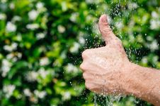 Free Thumbs Up Under Falling Water Royalty Free Stock Images - 20028279