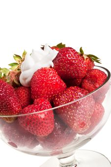 Free Delicious Strawberry And Cream Royalty Free Stock Images - 20028489