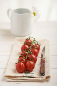 Free Cherry Tomatoes Royalty Free Stock Images - 20030499
