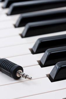 Free Electronic Piano Stock Photo - 20033880
