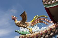 Free Chinese Phoenix On Roof Stock Images - 20037684