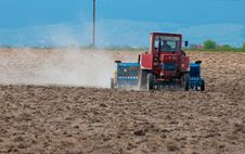 Free Tractor Farming Royalty Free Stock Photo - 20041305