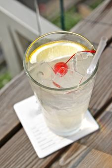 Free Summer Cocktail Royalty Free Stock Image - 20047066