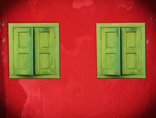 Free Old Green Windows Stock Images - 20048014