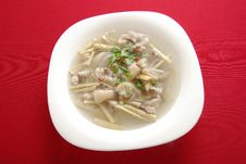 Free Pig S Knuckles Bamboo Shoot Soup Royalty Free Stock Photography - 20048697