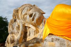Free Reclining Buddha Royalty Free Stock Photo - 20055715