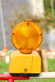 Free Conspicuous Yellow Warning Road Flashlight Royalty Free Stock Photos - 20055998