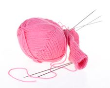 Free Knitting Spokes With Ball Of Wool Royalty Free Stock Photos - 20058458
