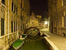 Free Venice Street At Night Royalty Free Stock Photos - 20058918