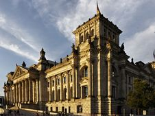 Free Berlin - Reichstag Building Royalty Free Stock Photo - 20059475
