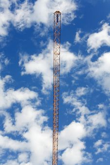 Free Crane Against The Cloudy Sky Stock Photos - 20062223