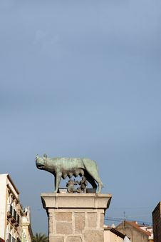 Free Roman Capitoline Wolf In Merida Royalty Free Stock Photography - 20064367