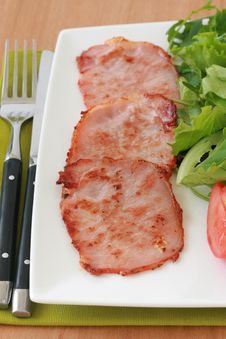 Free Fried Pork With Salad Royalty Free Stock Images - 20066759