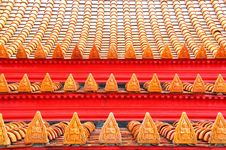 Free Buddhist Motifs Tiles Roof Royalty Free Stock Photography - 20067497
